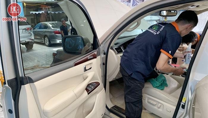 Dịch vụ vệ sinh nội thất xe hơi tại phan thiết