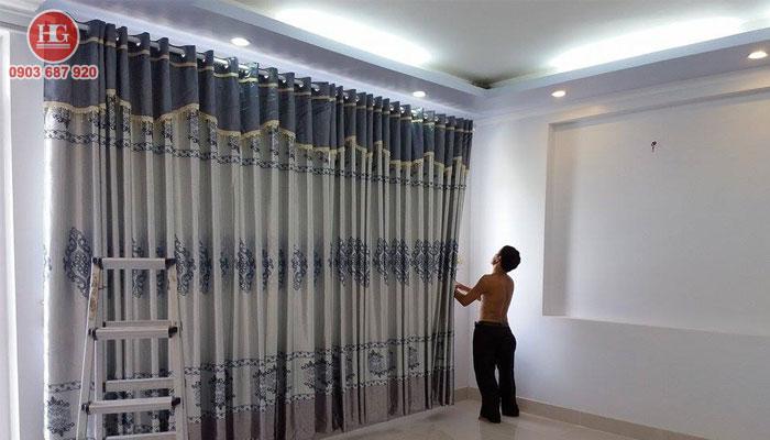 Dịch vụ vệ sinh màn cửa tại nhà ở phan thiết, bình thuận